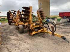 Set Simba 2B 4.4m discs with Simba 4.6m double D ring tined press.