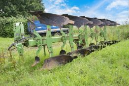 Dowdeswell DP7D2 4+1 reversible plough.