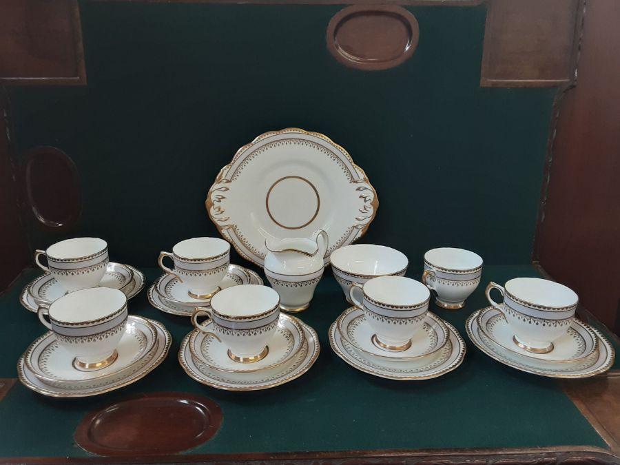 Salisbury bone china 6 piece lilac gilt teaset comprising 22 pieces.