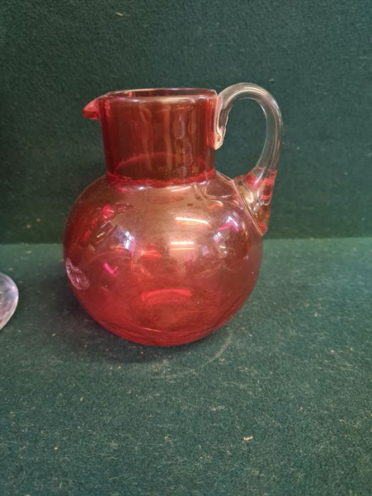 """Large Victorian cranberry glass jug with clear cut foot standing 11"""" tall and a similar smaller - Image 3 of 5"""