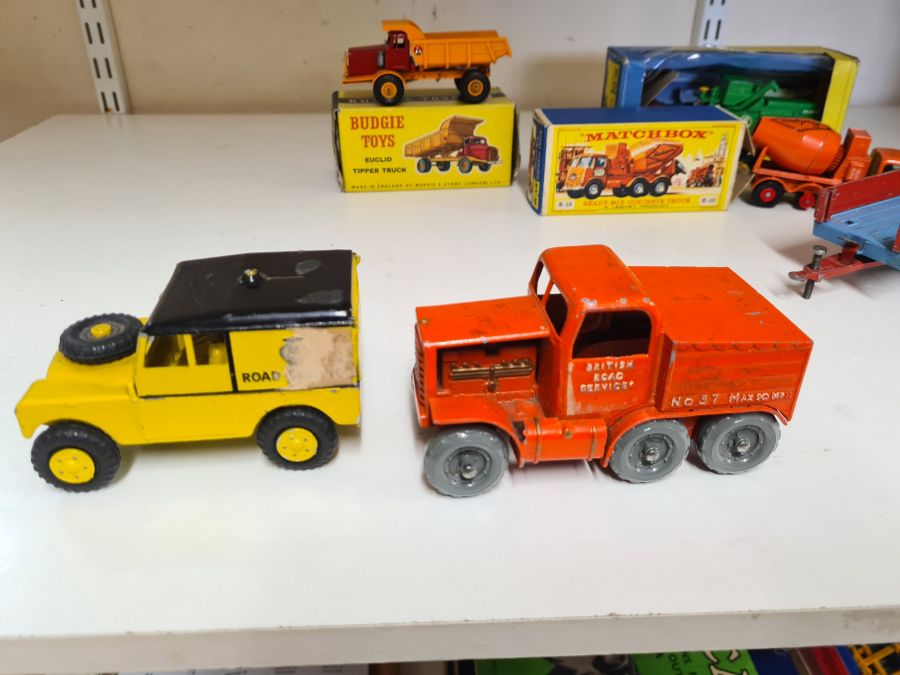 Mixed vintage die cast toys to include Morestone No. 311 Prime Mover and AA Road Services, Budgie - Image 2 of 5