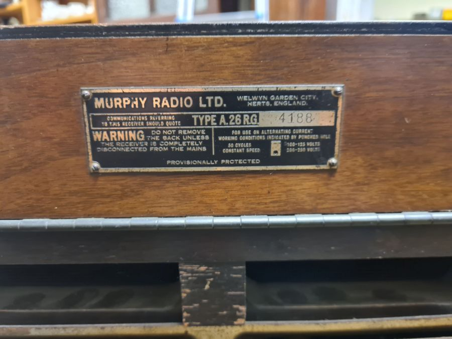A vintage 1930's A26RG Murphy radio gramophone in polished Art Deco style cabinet (not tested) - Image 4 of 5