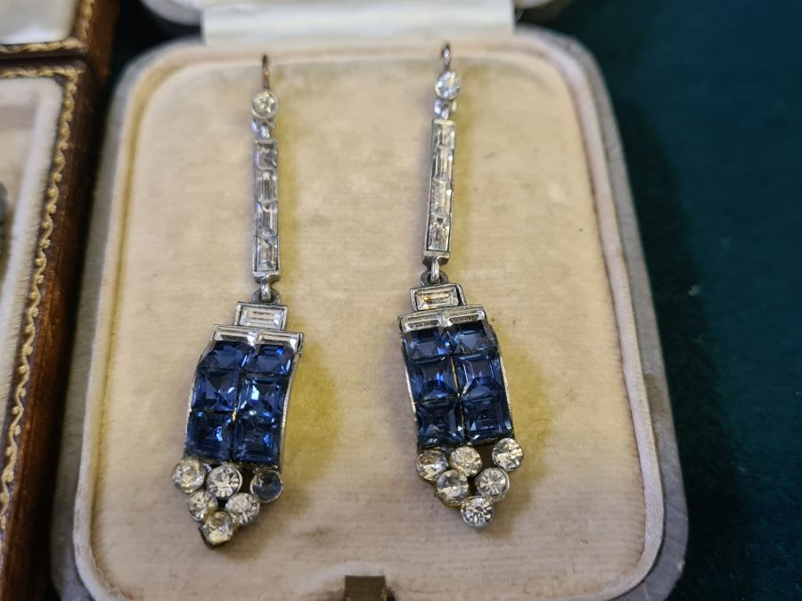 An art deco diamante double clip brooch and a pair of art deco drop earrings. - Image 4 of 4