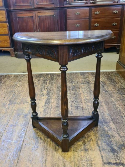2 x Jaycee oak occasional tables. - Image 3 of 4