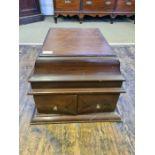 Edwardian mahogany cased Concert Grand wind up gramophone.