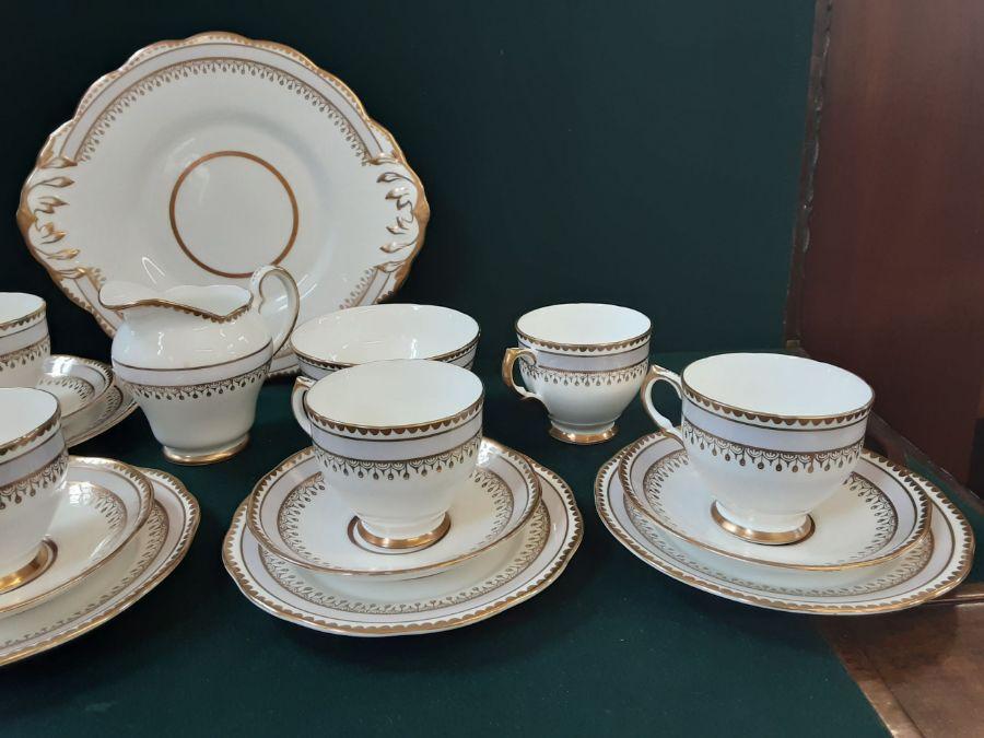 Salisbury bone china 6 piece lilac gilt teaset comprising 22 pieces. - Image 4 of 5