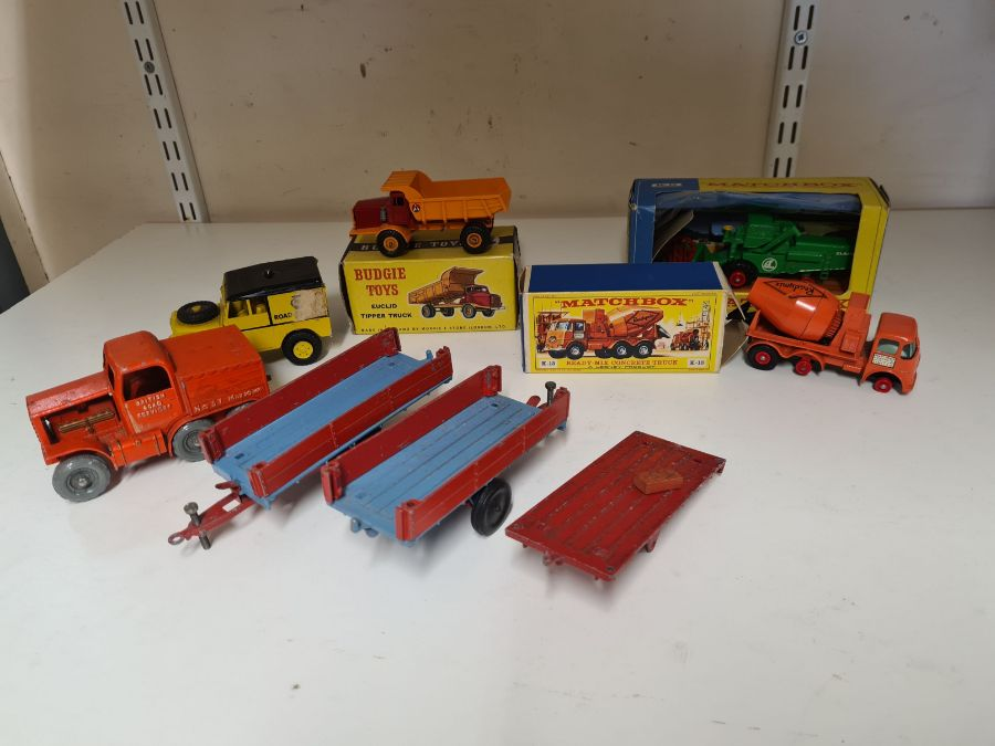 Mixed vintage die cast toys to include Morestone No. 311 Prime Mover and AA Road Services, Budgie