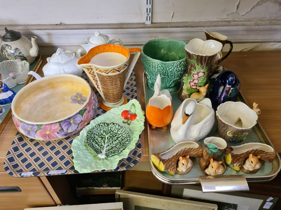 2 trays of 1930's decorative pottery and porcelain to include Shelley teapot and water jug, Myott