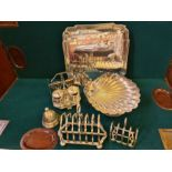 Assorted plated wares to include Unity plate salver, Alfa plate squirrel nut bowl, Walker & Hall