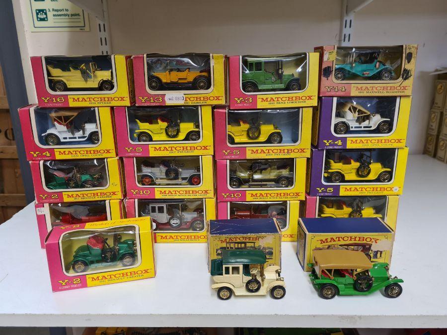 Tray lot of vintage Matchbox cars.