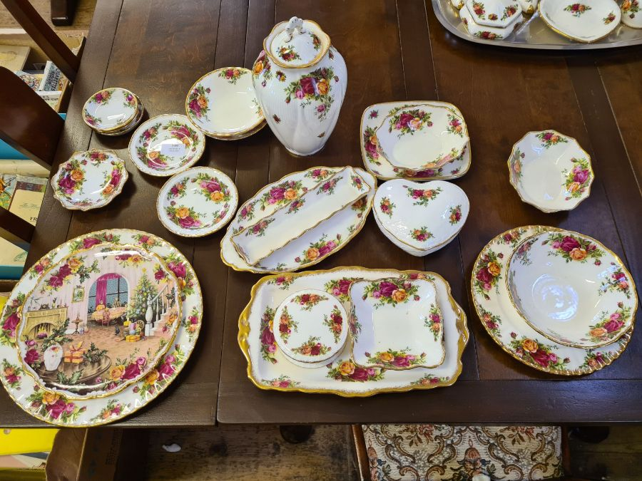 20 x various Royal Albert Old Country Roses items including dishes, pin dishes, lidded jar,