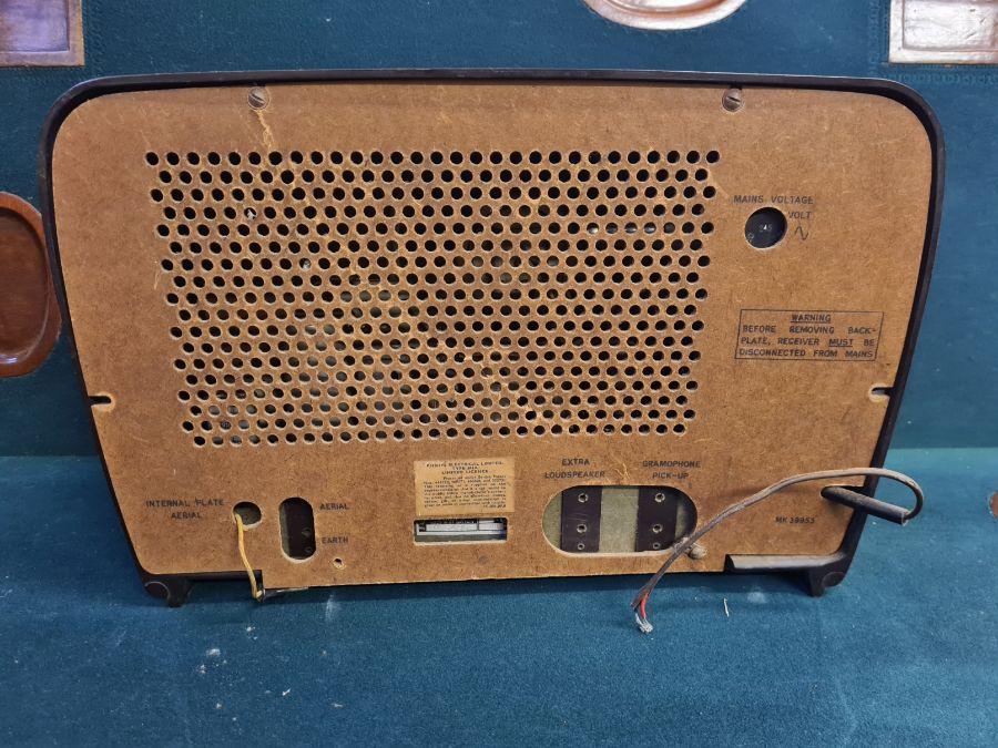 1950's Philips 341A bakelite cased valve radio. - Image 3 of 3