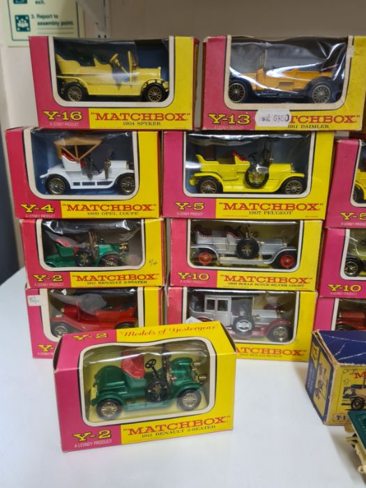 Tray lot of vintage Matchbox cars. - Image 2 of 4
