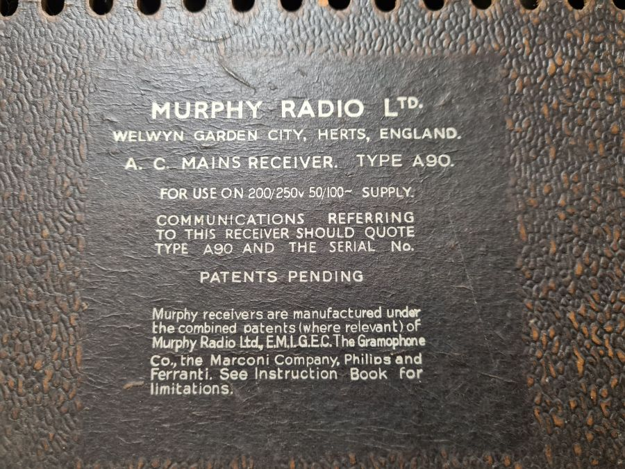 Vintage Murphy type A90 radio receiver in heavy wooden case with bakelite trim. - Image 5 of 5