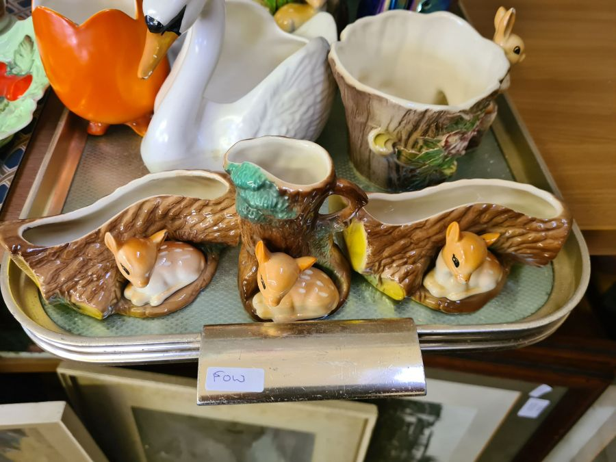 2 trays of 1930's decorative pottery and porcelain to include Shelley teapot and water jug, Myott - Image 3 of 5