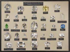 Etui mit 31 Bergkristall Modellen der bedeutendsten und größten Diamanten der Welt