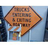 FOLDING BARRICADE SIGN & TRUCKS ENTERING SIGN