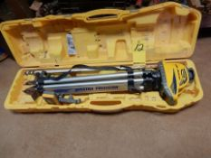 SPECTRA LASER LEVEL, M# LL300N, STAND, CASE