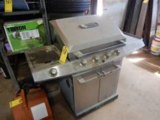 THERMOS S.S. 4-BURNER PROPANE GRILL