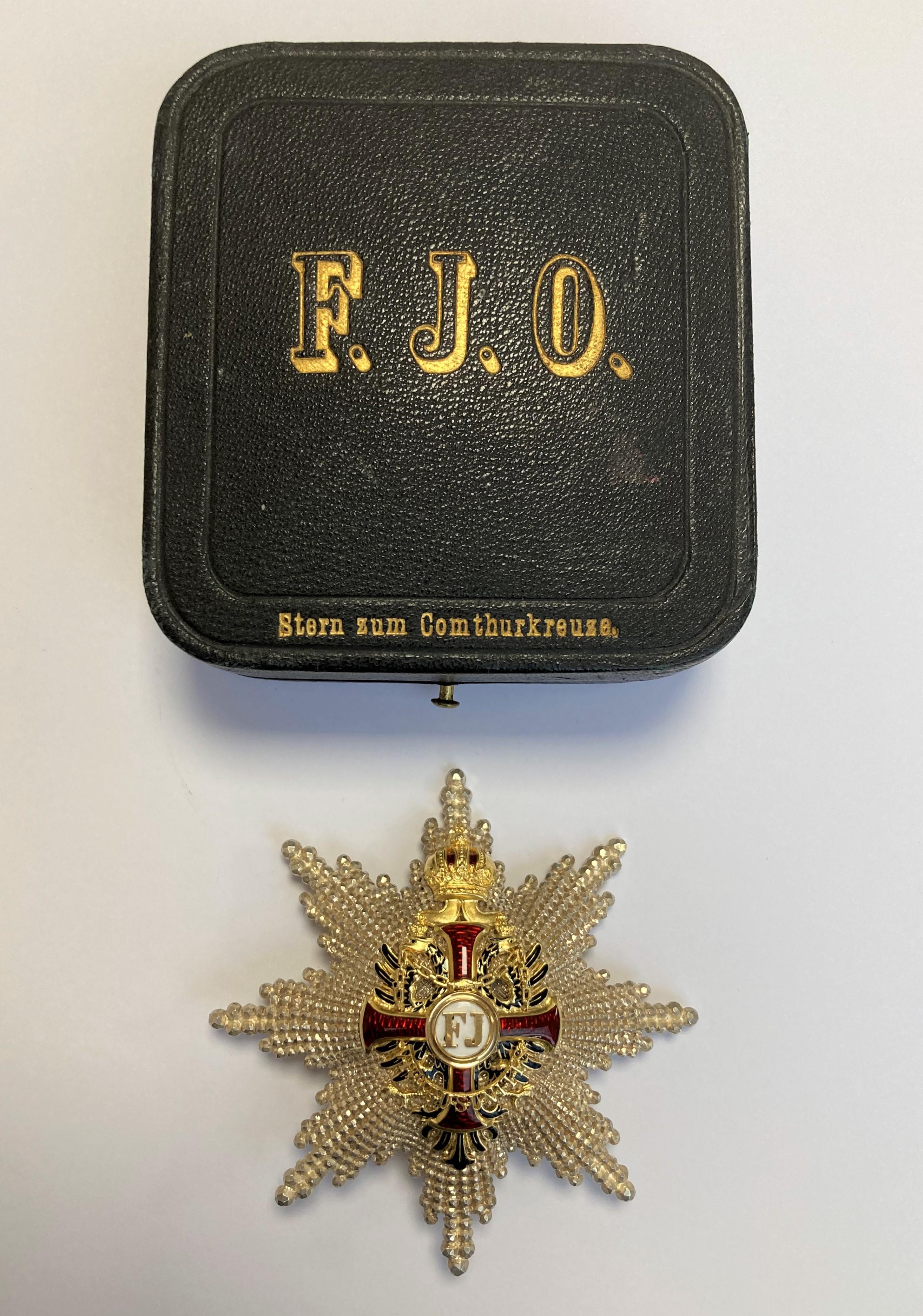 PLAQUE de Grand Officier de l'Ordre autrichien de François Joseph créé en 1849. Argent cselé de