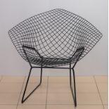 FAUTEUIL modèle Diamant en métal laqué noir. Création de Harry BERTOIA (1915-1978). Larg. 85.