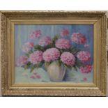 DELEPLACE (XXe). Vase de pivoines. Huile sur toile. Signée en bas à droite. 46 X 61.