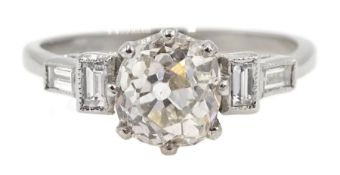 Platinum old cut diamond ring, with baguette diamond shoulders, stamped plat, central diamond approx