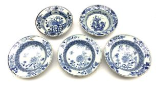 Five Chinese Export bowls decorated with various patterns, D17cm