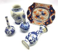 18th century Chinese blue and white vase form wall pocket (a/f), 18th/ 19th century Chinese Imari de