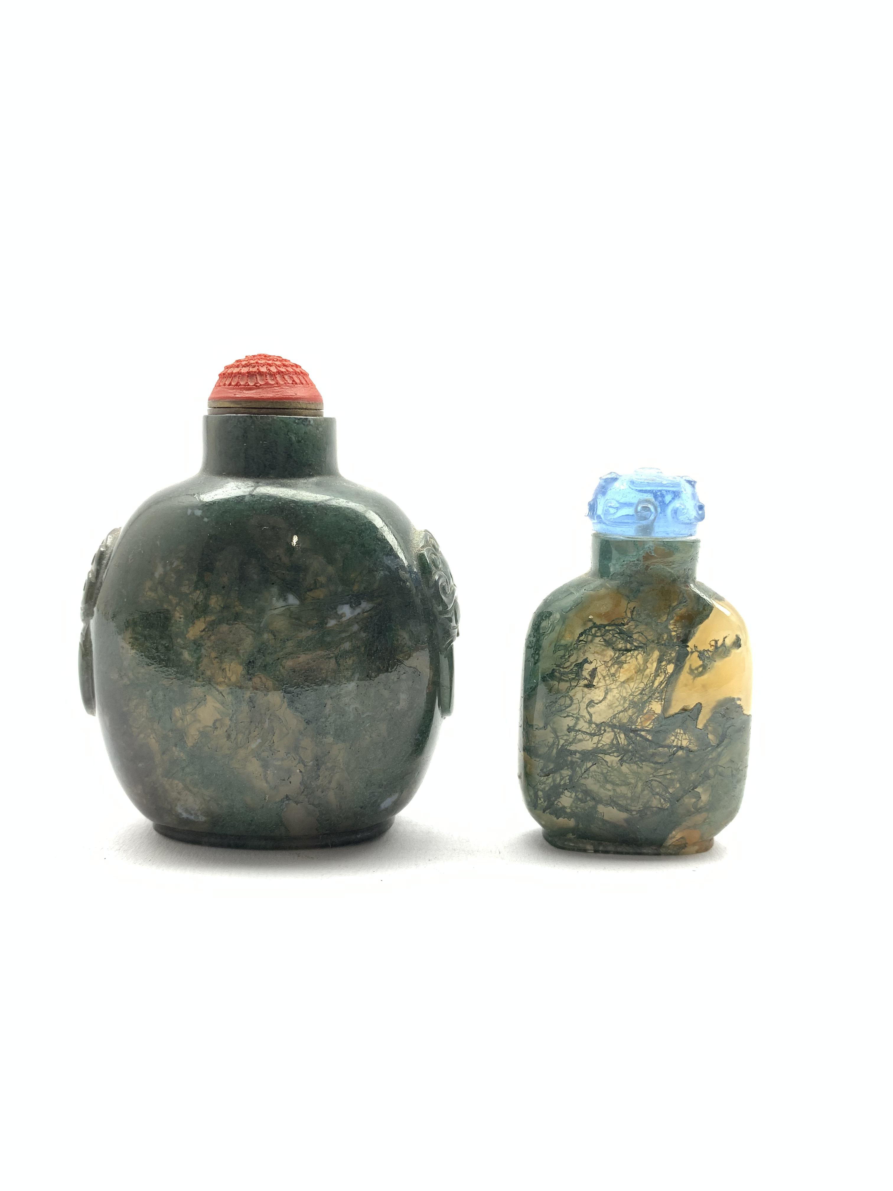 Chinese moss agate style snuff bottle with ring handles and cinnabar stopper, H8cm together with a s - Image 6 of 7