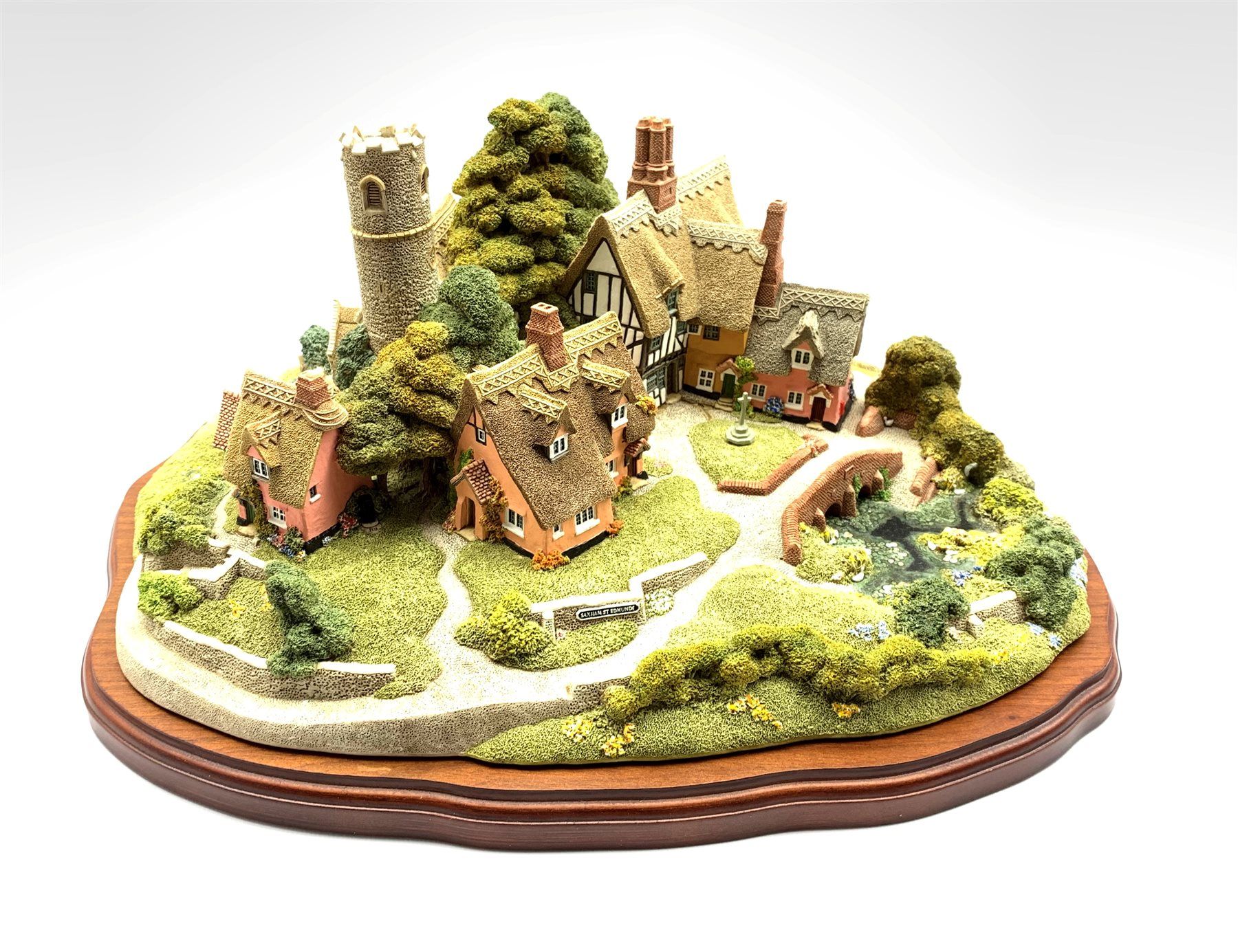 Large Lilliput Lane limited edition model 'Saxham St. Edmunds' No. 457/4500, boxed with certificate,