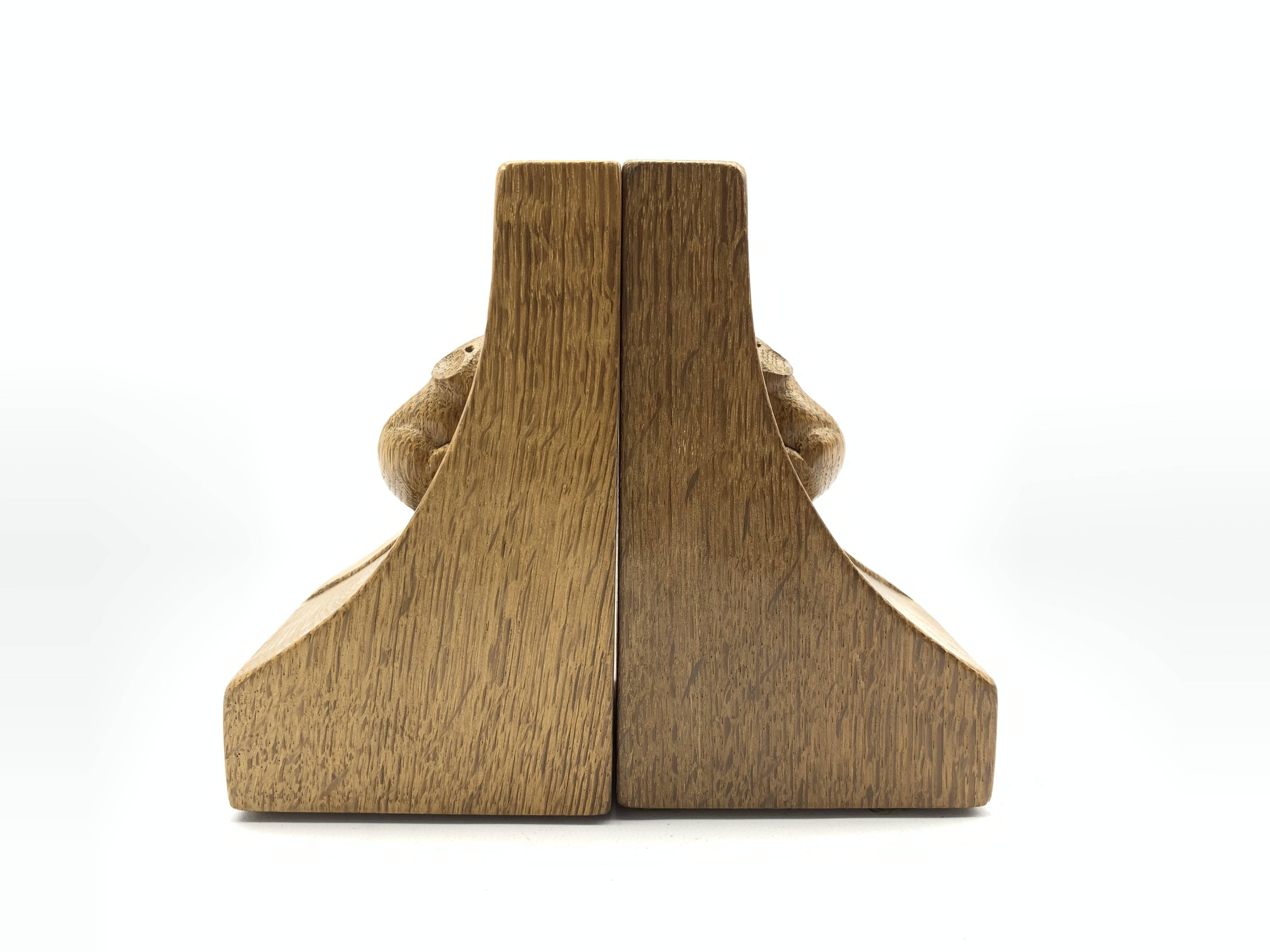 Pair of Thompson of Kilburn 'Mouseman' adzed oak bookends with carved mouse signature to each end H1 - Image 5 of 7