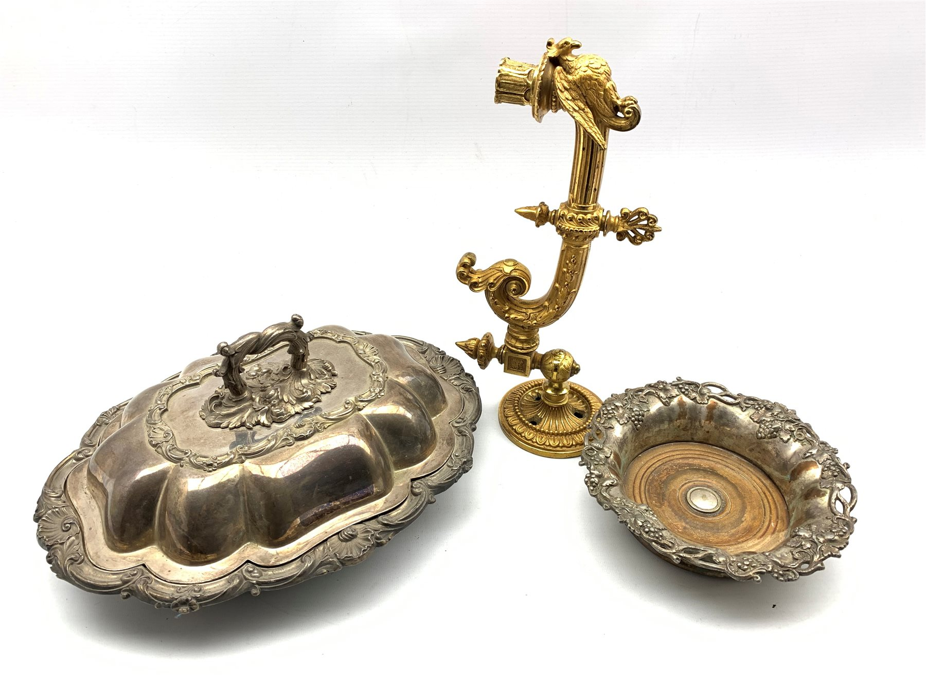 19th century gilt metal gas wall sconce with swivel plate, eagle, shell and scroll decoration L32cm,
