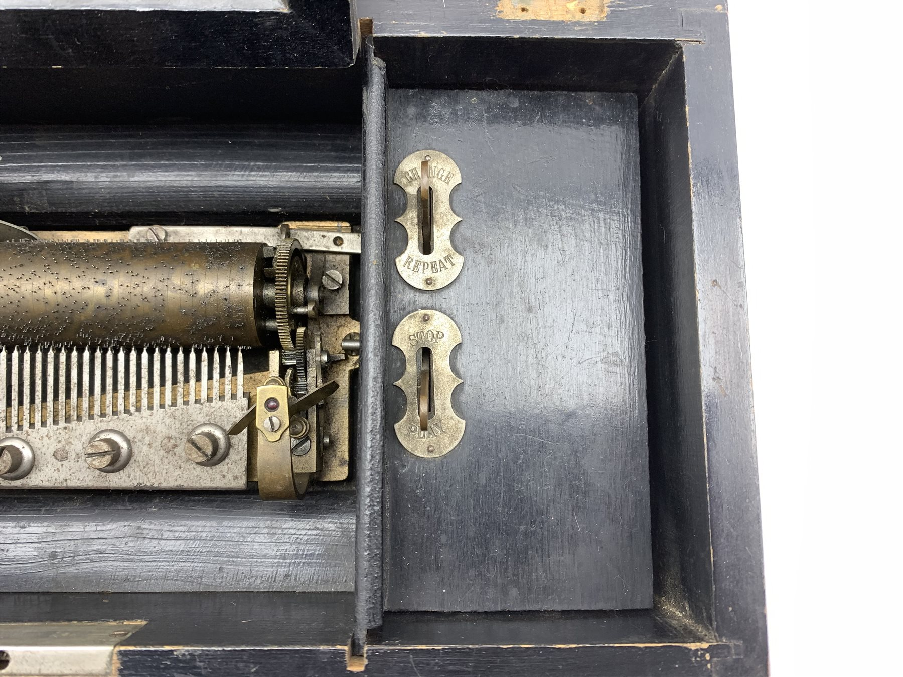 Late 19th Century Swiss eight air musical box with comb and cylinder movement, cylinder 10cm long in - Image 4 of 7
