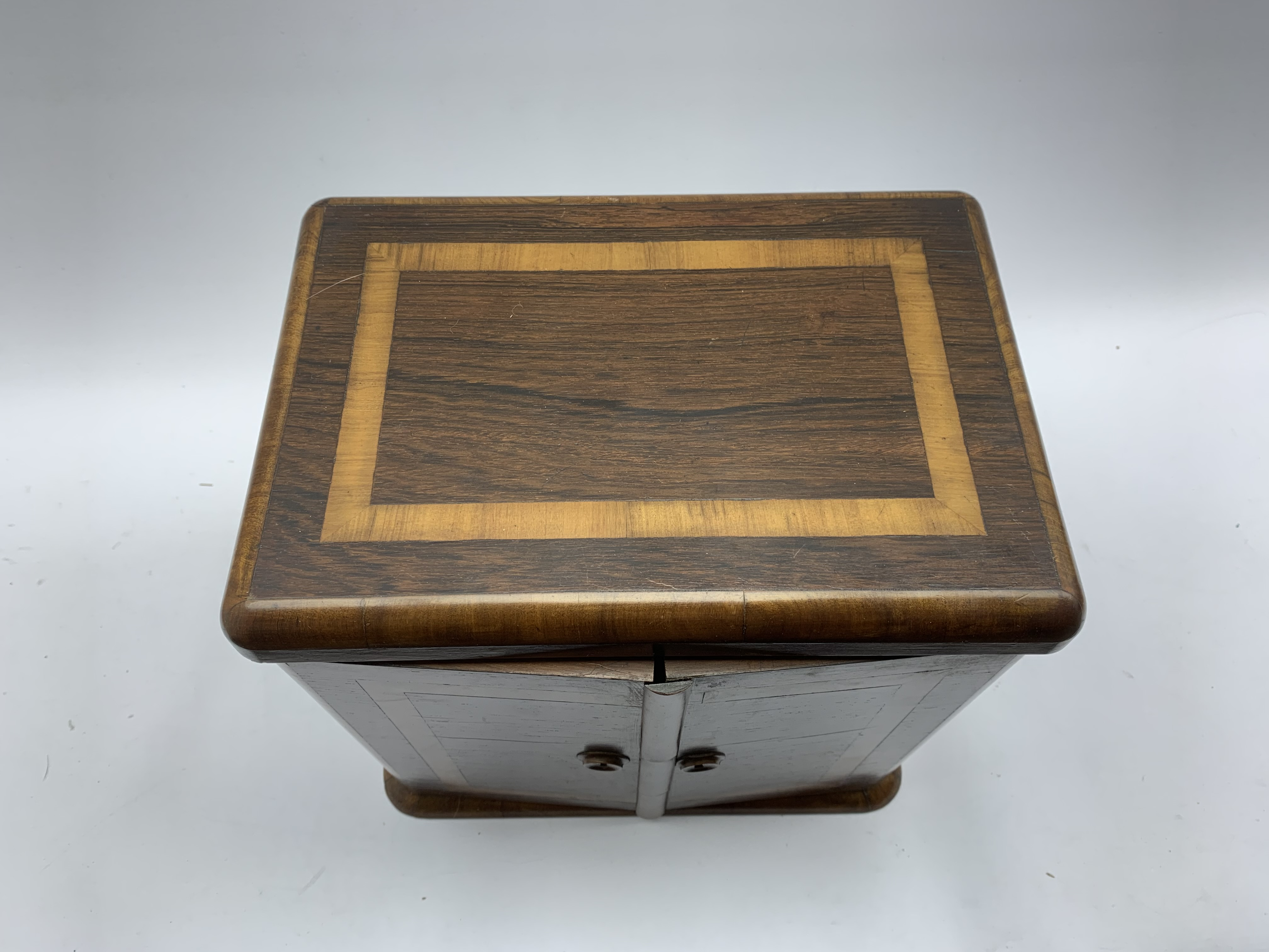 Late Victorian crossbanded rosewood table top cabinet fitted with three small drawers and enclosed - Image 5 of 5
