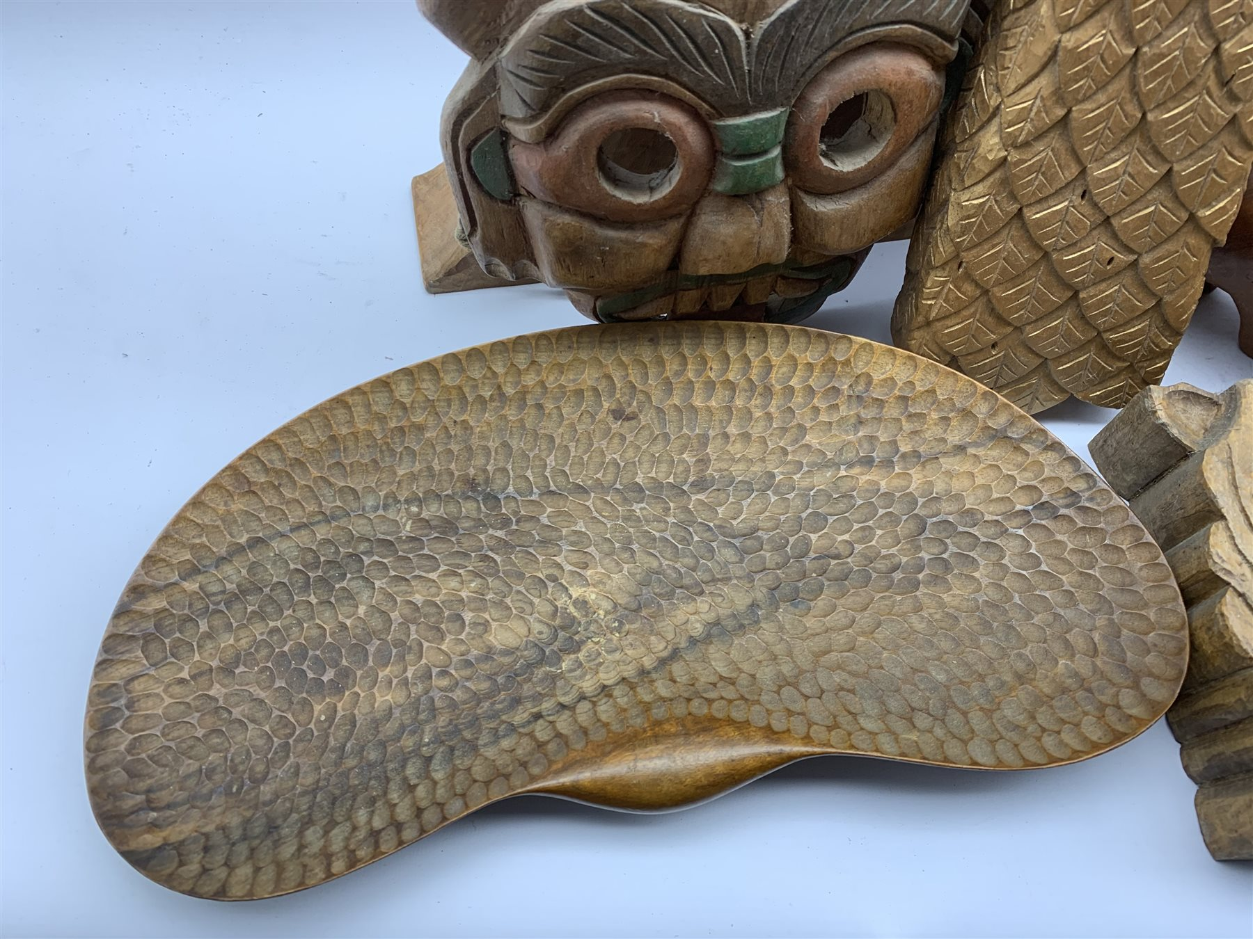 Large carved wood horses head 33cm x 48cm, carved and gilded eagle head L44cm, , carved wooden frog - Image 2 of 5