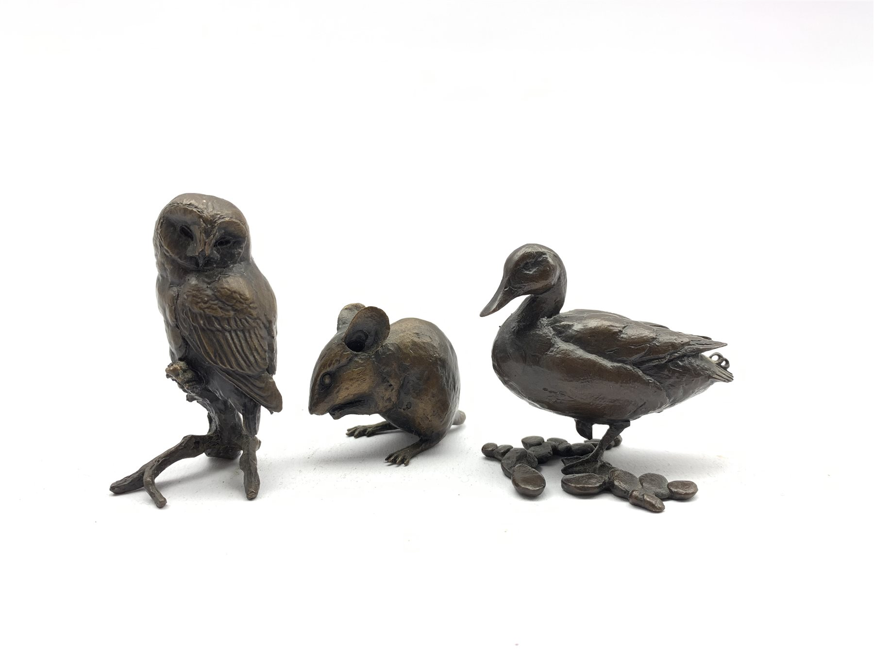 Bronze limited edition figure of a duck by Michael Simpson 46/250 H5cm