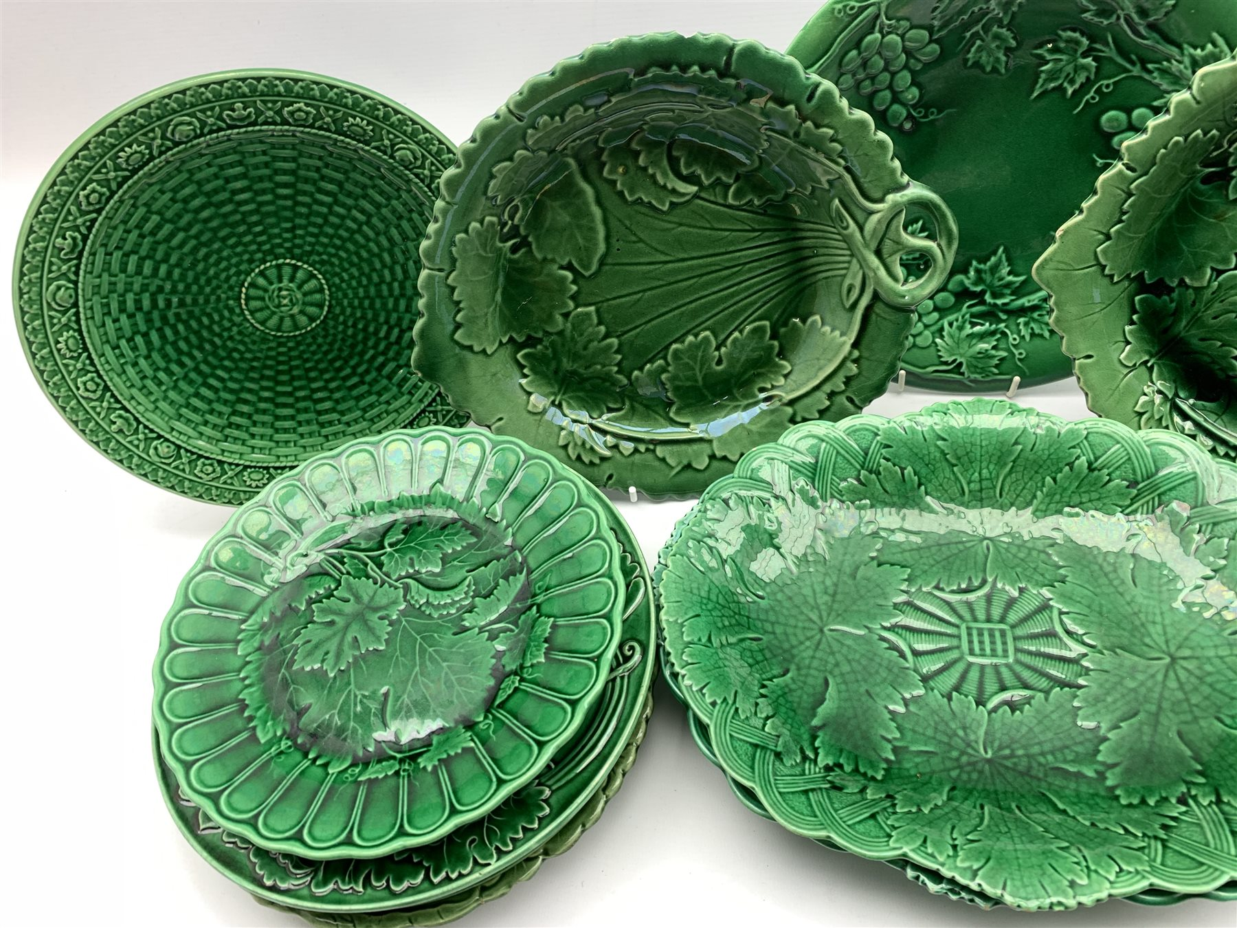 Pair of 19th century Wedgwood green glazed leaf moulded oval shallow dishes W28cm, pair of similar p - Image 3 of 5