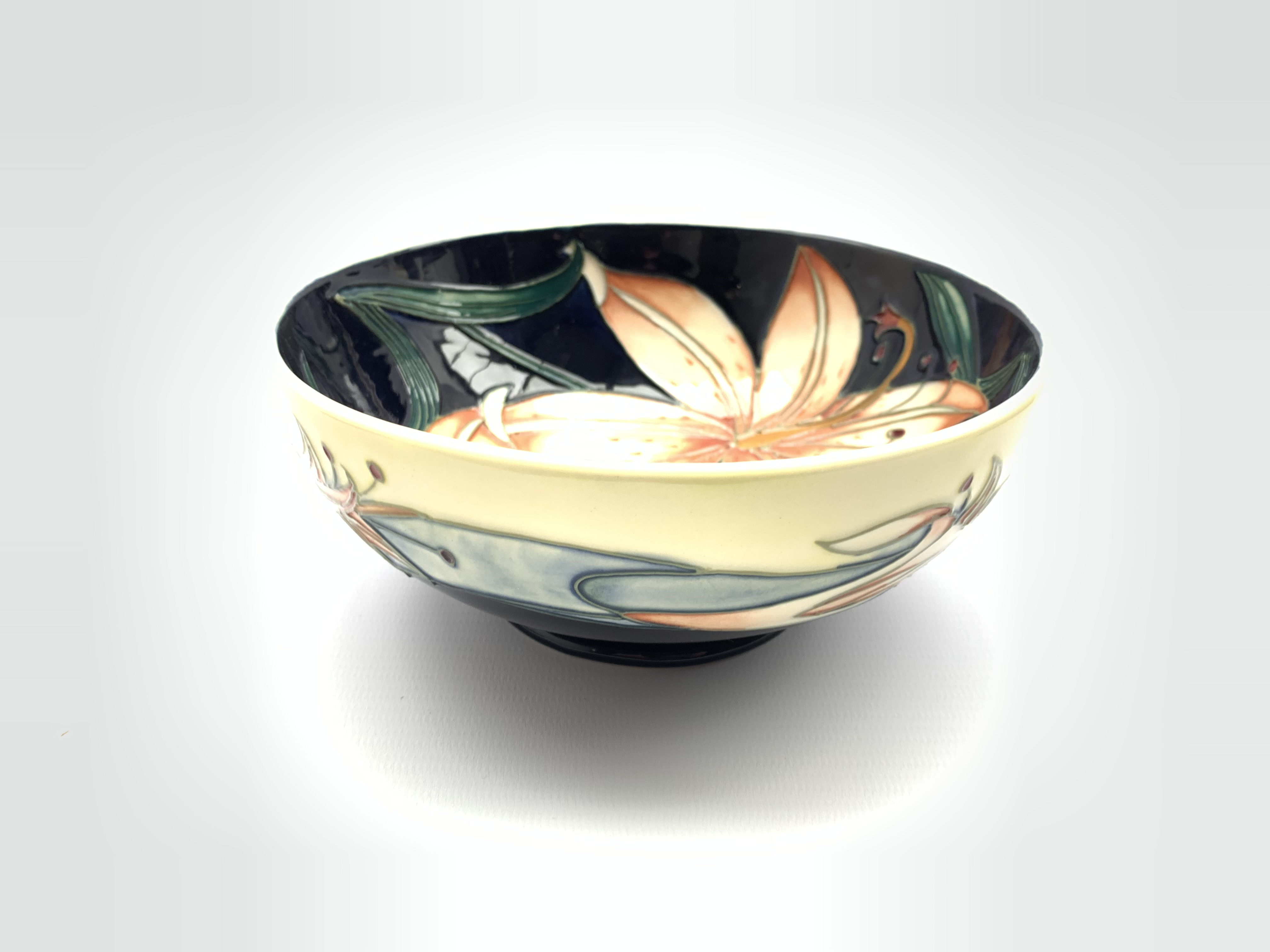 Moorcroft bowl decorated in the Pink Damask pattern by Philip Gibson D16cm, signed, dated 2004 and b - Image 5 of 7