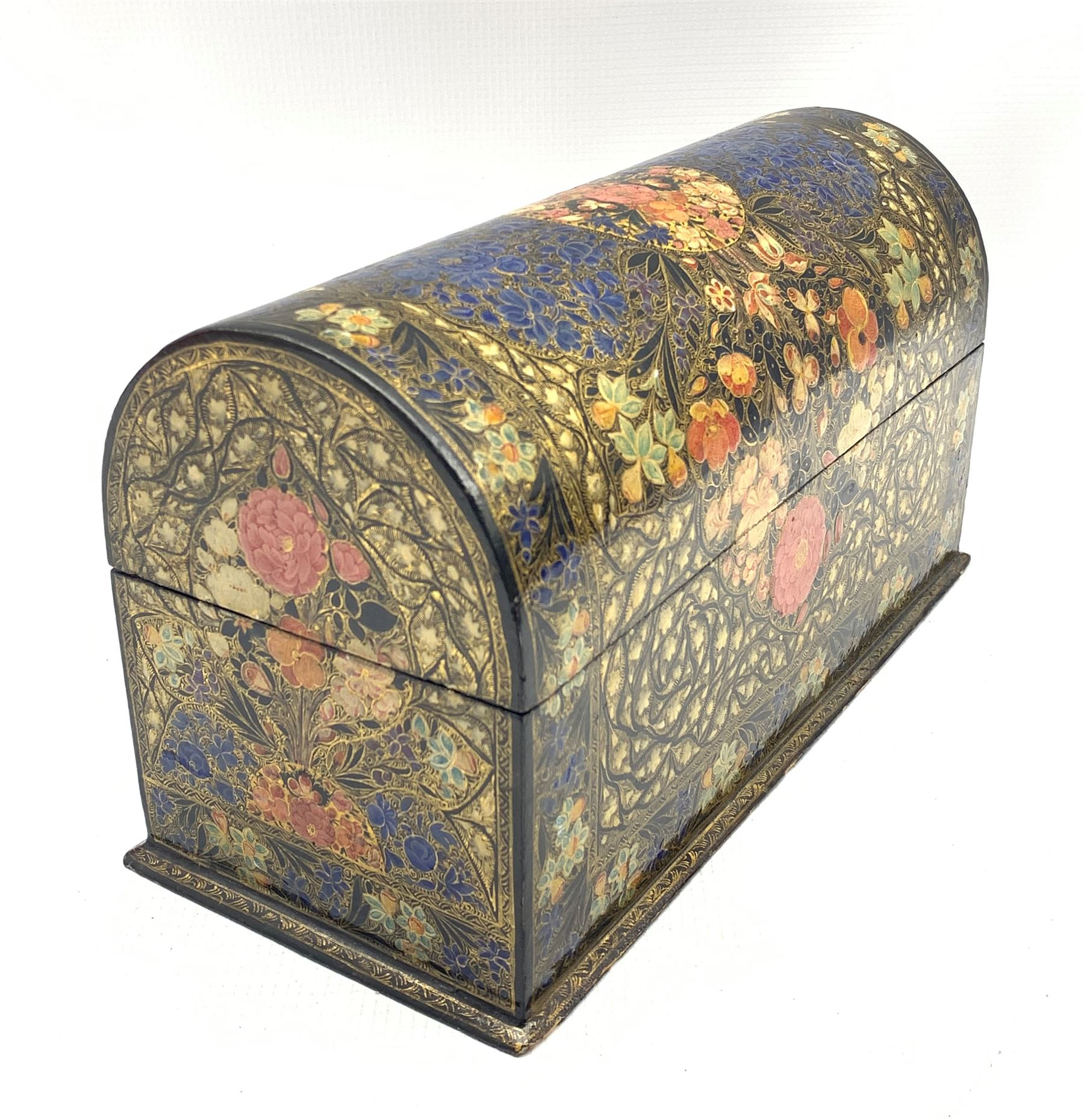 Kashmiri lacquered stationery casket with domed cover and divided interior painted with flower heads - Image 2 of 4
