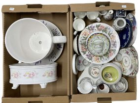 Ceramics to include a set of 11 Paragon Country Lane dinner plates