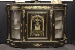 """FRANKRIJK - ca 1850/70 barok Napoleon III - dressoir in """"Boulle"""" met ebbenhout ingelegd met koper en"""