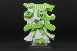 """ROJA TING (° 1978) (woont en werkt in Antwerpen) unieke sculptuur in beschilderd hout : """"Figuur"""" -"""