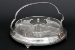 early Art Deco aperitif tray in EP silver with 5 small bowls in glass||Vroege Art Deco-aperitiefscha