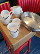 ASSORTED ITEMS OF RESTAURANT KITCHEN ITEMS