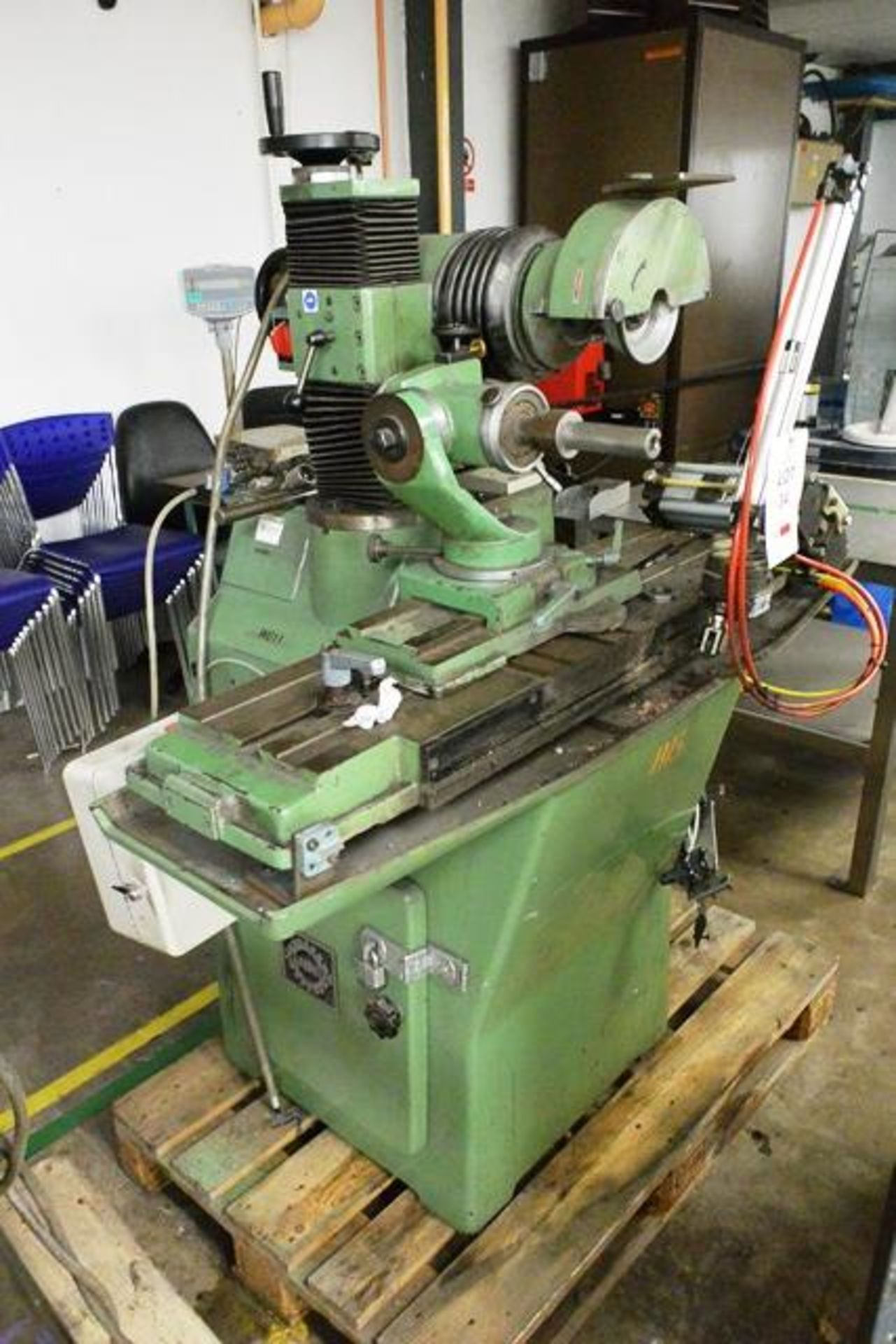 Zuber horizontal surface grinder, machine no. 06013, approx table dimension 900 x 270mm - Image 2 of 7