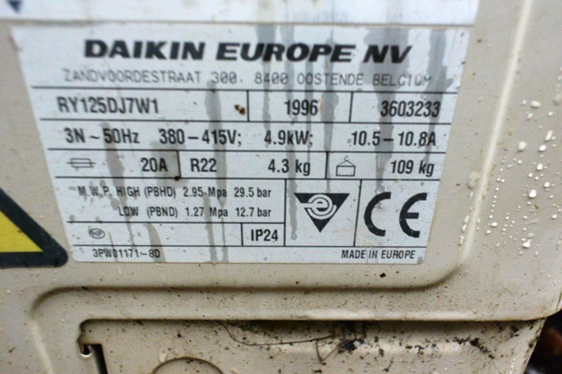 Daiken Skyair RY 125 DJ721, serial no. 3603233 (1996), refrigerant R22 (Please note: units have been - Image 3 of 3