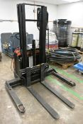 BT Stax 10 battery operated stacker truck, type OEC 247702-250, mast no. 5591275 (2009), 24v, with