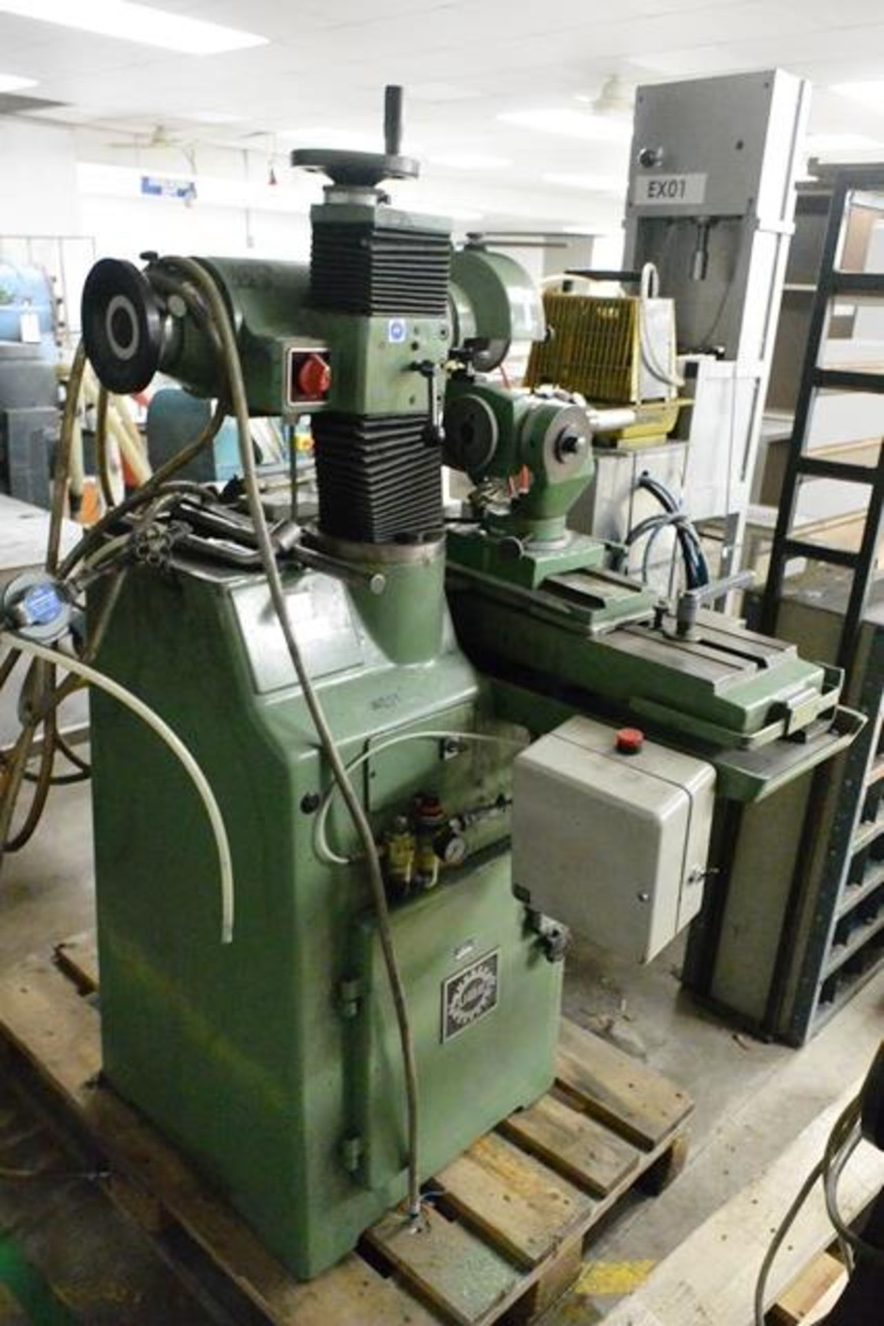 Zuber horizontal surface grinder, machine no. 06013, approx table dimension 900 x 270mm - Image 5 of 7