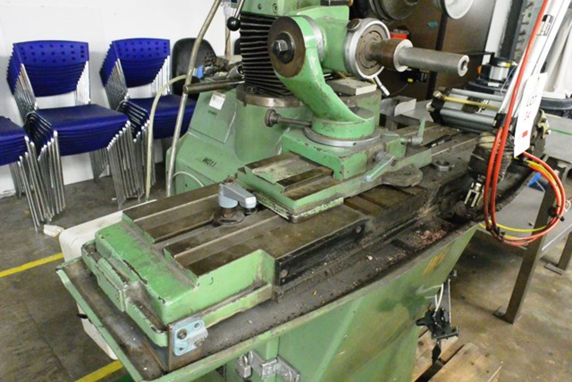 Zuber horizontal surface grinder, machine no. 06013, approx table dimension 900 x 270mm - Image 4 of 7